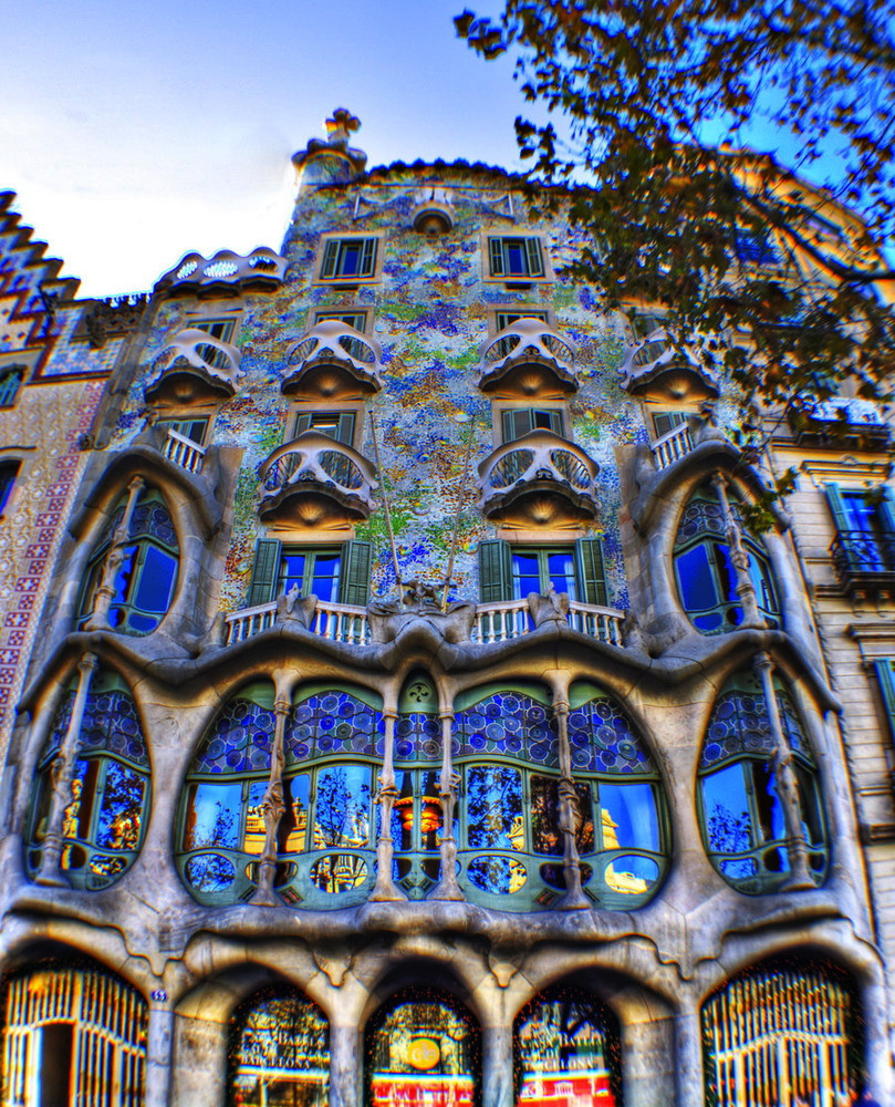 Casa batll naturally amazing stay in barcelona - Casas de barcelona ...