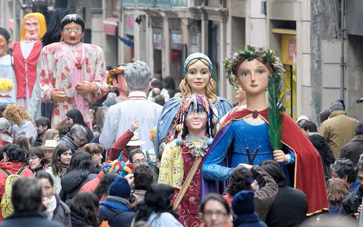 Las fiestas de santa eul lia en barcelona stay in barcelona for Estudiar interiorismo barcelona
