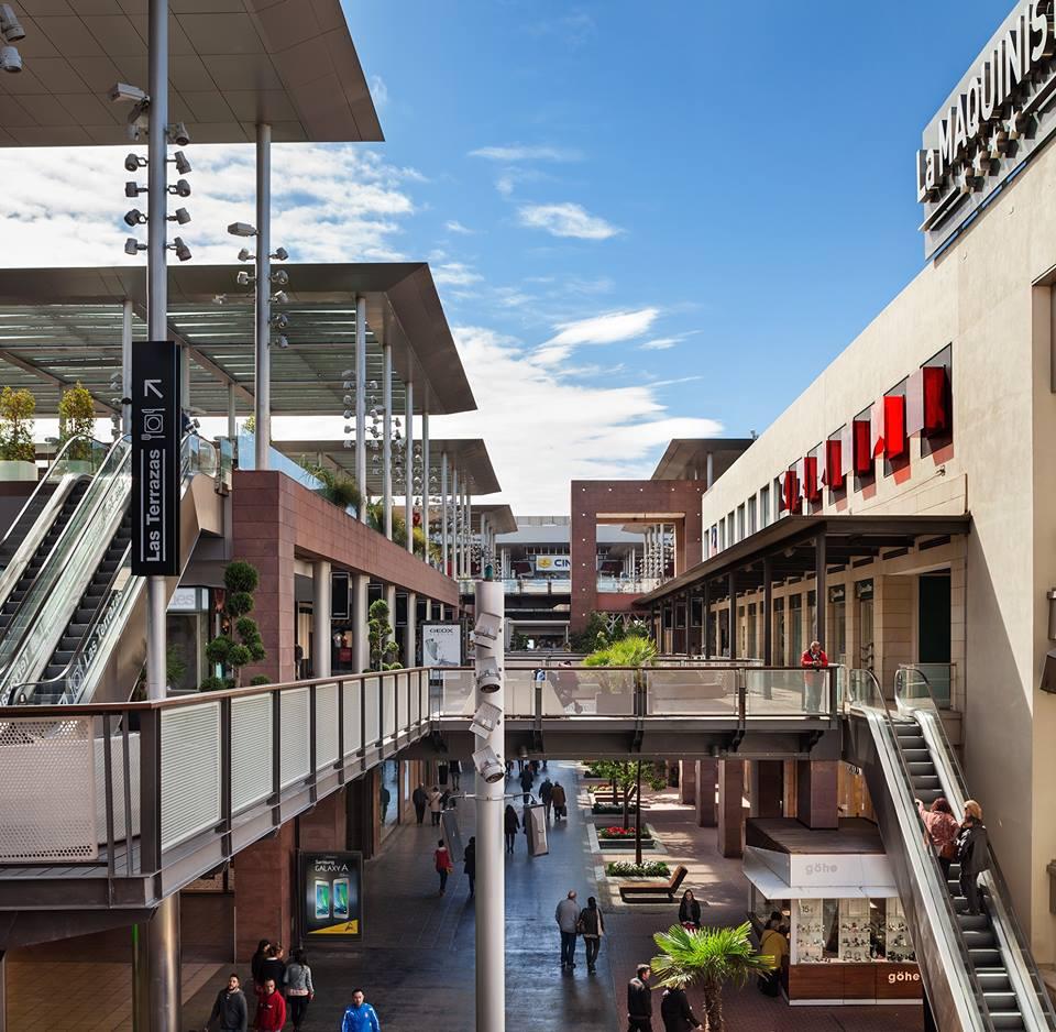 La Maquinista shopping center outdoor  view