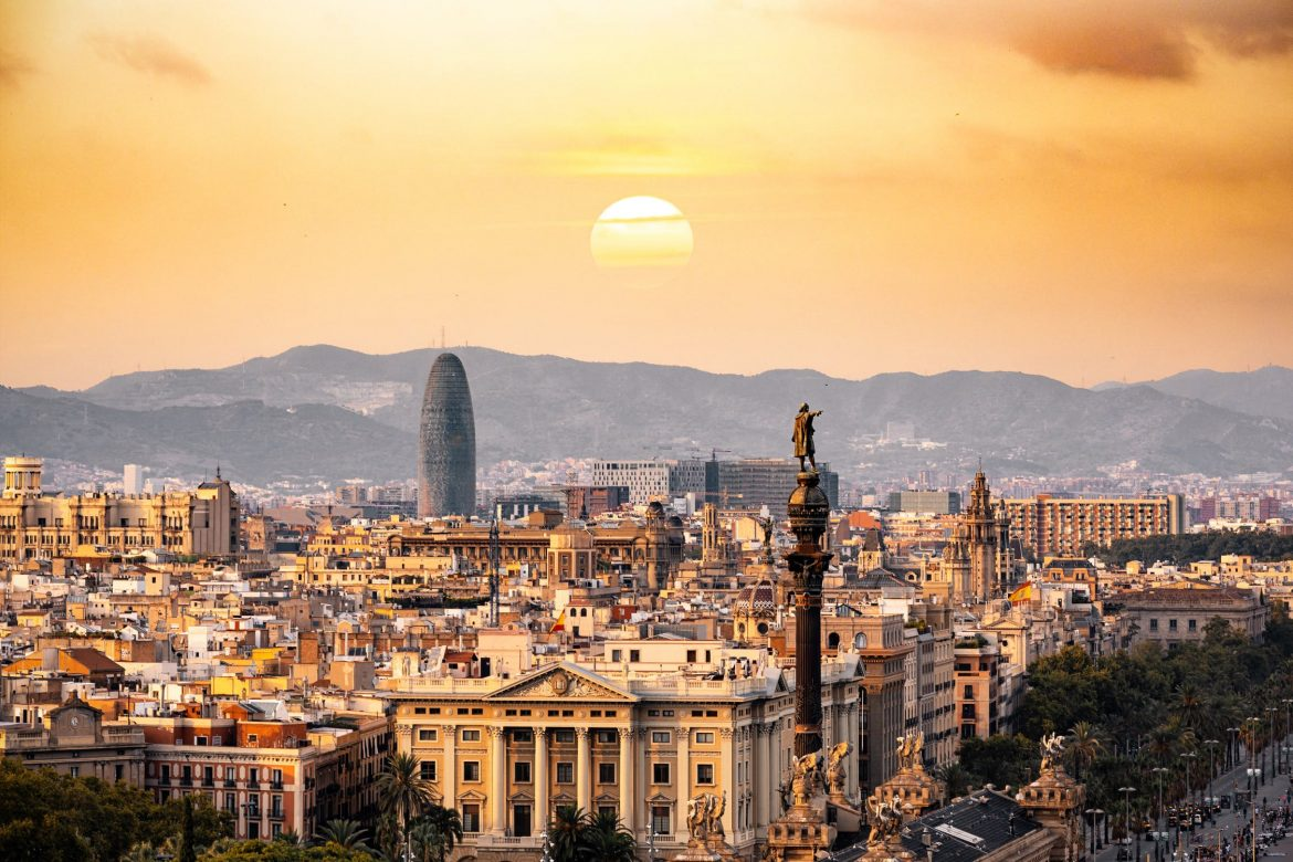 Barcelona in 3 Days - Easy Guide for your Best Holiday